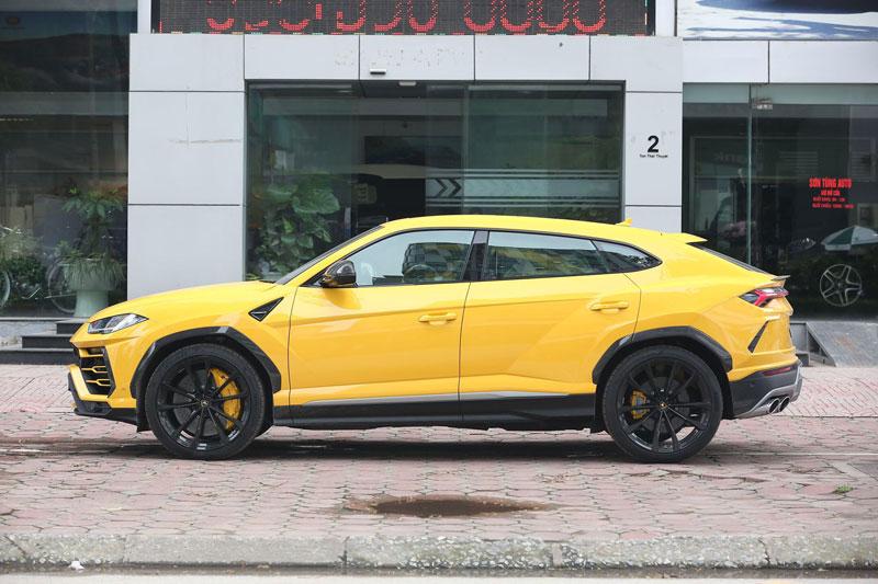 =2. Lamborghini Urus 2020 (thời gian tăng tốc từ 0-96 km/h: 3,5 giây).