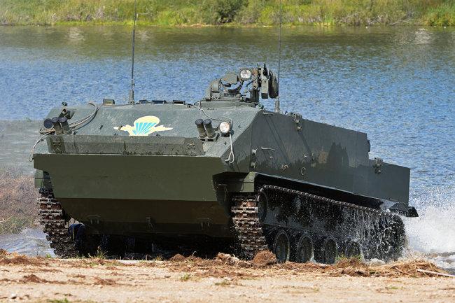 Xe thiết giáp nhảy dù BTR-MDM của Nga. Ảnh: TASS.
