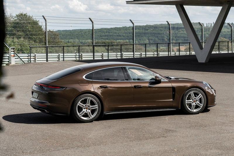 5. Porsche Panamera.
