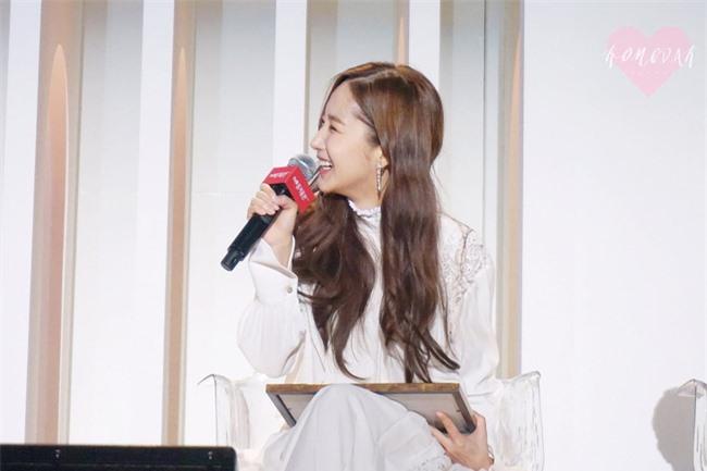 Park Min Young gây sốt với bộ ảnh khoe nhan sắc tiên tử lần đầu được tiết lộ, nhưng đôi chân lại đen sạm khiến fan hốt hoảng - Ảnh 8.