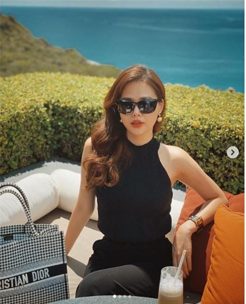 Cuộc sống sang chảnh chỉ ăn và du lịch của Phanh Lee sau kết hôn-7
