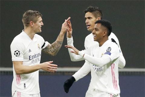Niềm vui của các cầu thủ Real sau khi có chiến thắng thuyết phục trước Inter