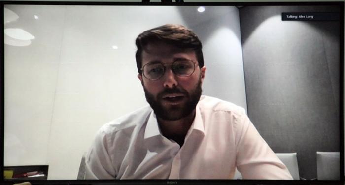 Đại diện NETFLIX, Ông Alex Long - Quản lý Chính sách Công khu vực châu Á Thái Bình Dương (APAC) phát biểu ý kiến trong cuộc đối thoại. Ảnh chụp màn hình trực tuyến.