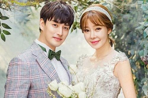 Mỹ nam Hàn ly hôn vợ hơn 11 tuổi