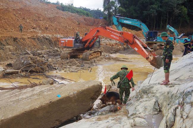 Đã huy động hơn 9.500 lượt người và phương tiện tìm kiếm nạn nhân Thủy điện Rào Trăng 3