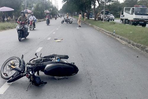 TP.HCM: Khởi tố 2 thiếu niên chạy xe quá tốc độ tông gãy tay, chân CSGT