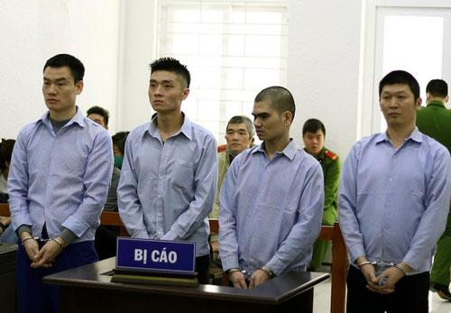 """Bay từ TPHCM ra Hà Nội đòi nợ, nhóm thanh niên """"chia nhau"""" hơn 40 năm tù"""