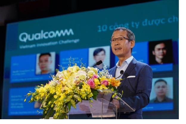 Ông Thiều Phương Nam công bố 10 công ty khởi nghiệp lọt vào danh sách rút gọn.