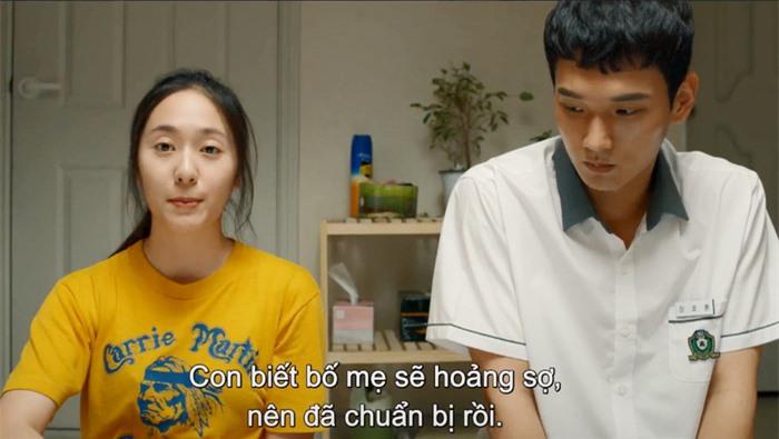 """""""Công chúa băng giá"""" Krystal Jung hóa """"Mẹ bầu siêu ngầu""""  - Ảnh 1."""