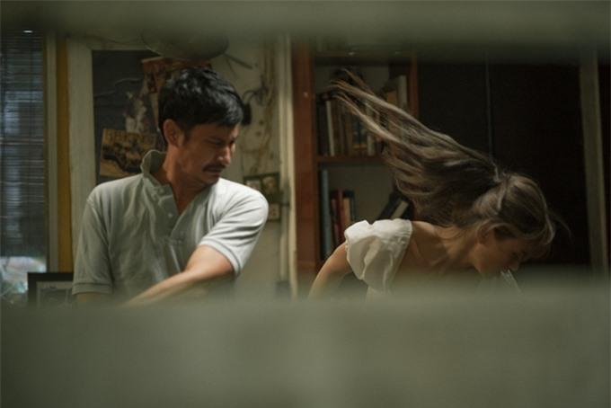 Huy Khánh đóng vai vũ phu, có cảnh tát nữ chính Lê Bống (ảnh) và bà xã Khổng Tú Quỳnh.