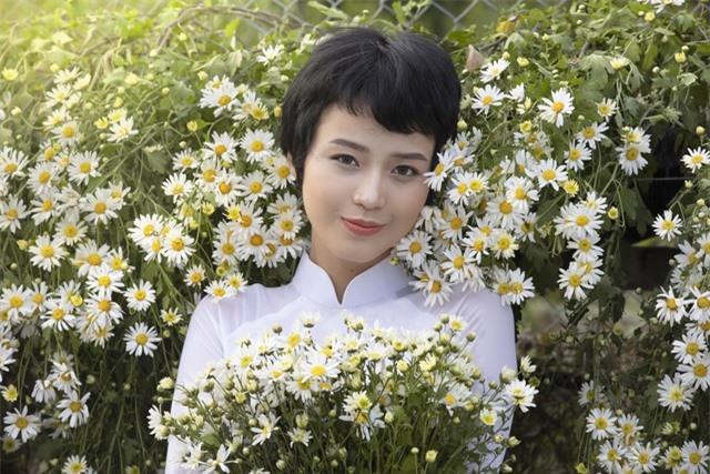Nữ sinh Ngoại thương chữa khỏi ung thư xuất hiện với vẻ đẹp rạng rỡ - 3