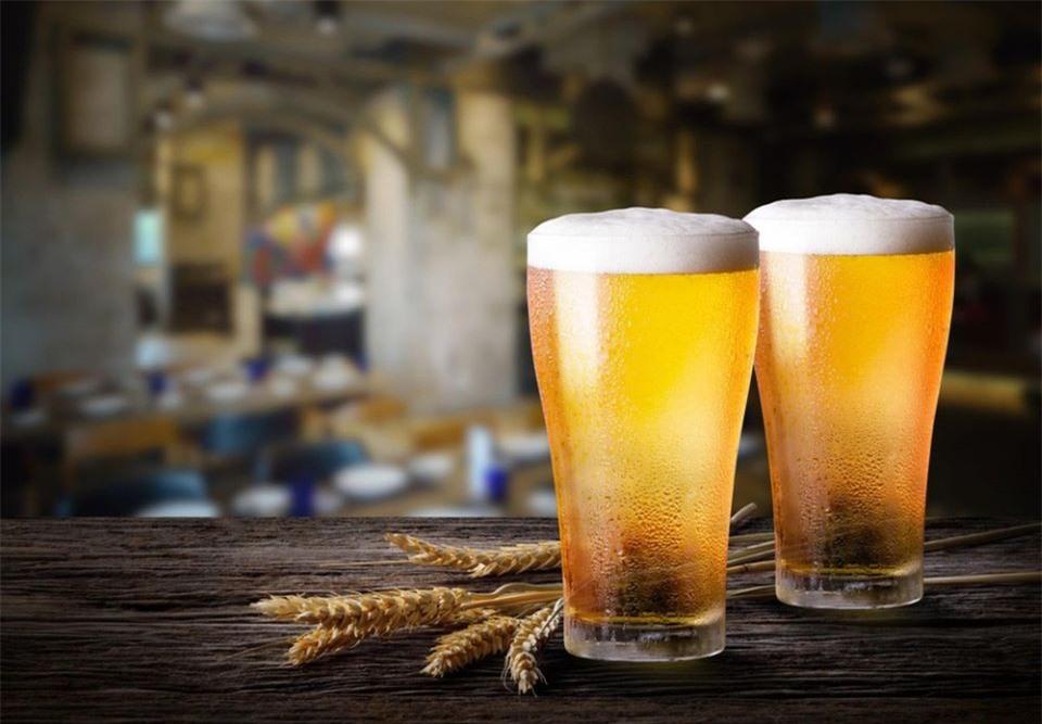 Tuyệt chiêu diệt mụn trứng cá, trẻ hóa làn da chỉ với một lon bia