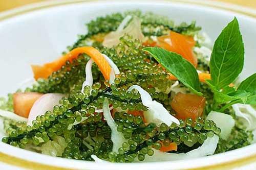 Cách làm salad rong nho cá hồi không tanh, giàu dinh dưỡng