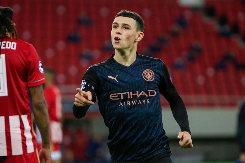 Tiền vệ: Phil Foden (Man City, 20 tuổi, định giá chuyển nhượng: 60 triệu euro).