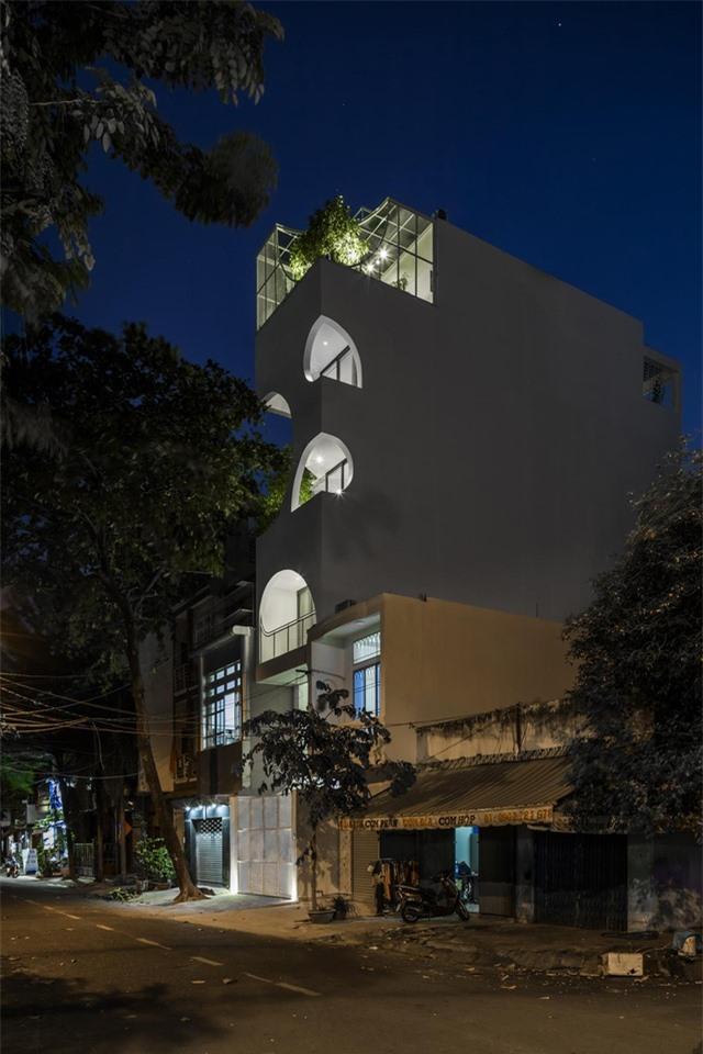 Nhà phố Sài Gòn có cách thiết kế độc giúp gia chủ tiết kiệm tiền điện - 14