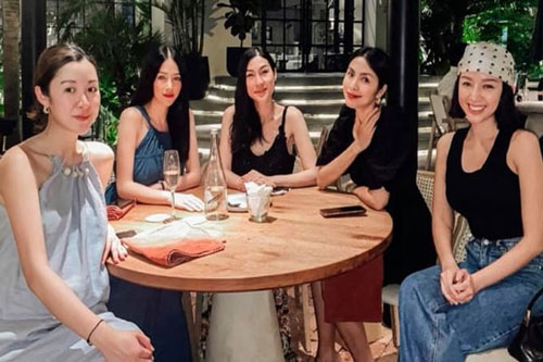 Chung khung hình với hội bạn toàn mỹ nhân, Hà Tăng chiếm trọn spotlight