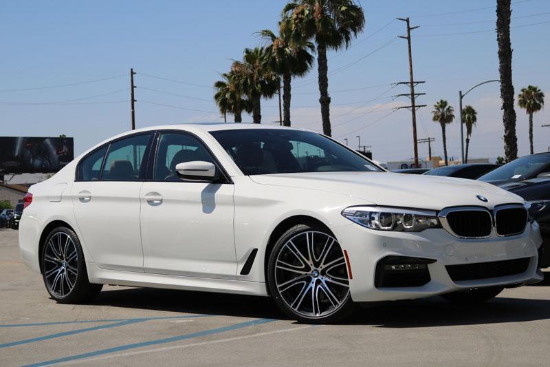 6. BMW 540i.