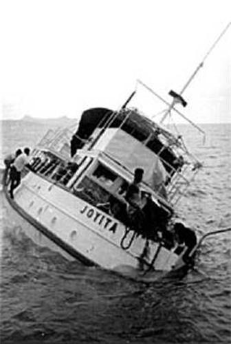 """Kì bí con tàu ma """"không thể chìm"""" - 3"""