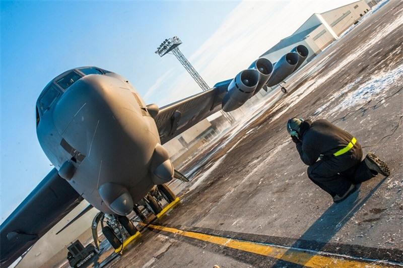 My tiep tuc nang cap toan bo phi doi B-52H: Nhieu cai tien moi-Hinh-5
