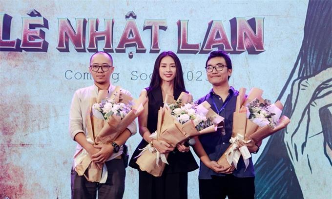 Nhà sản xuất Ngô Thanh Vân và hai thành viên trong nhóm tác giả truyện Long thần tướng dự sự kiện hôm 29/11.