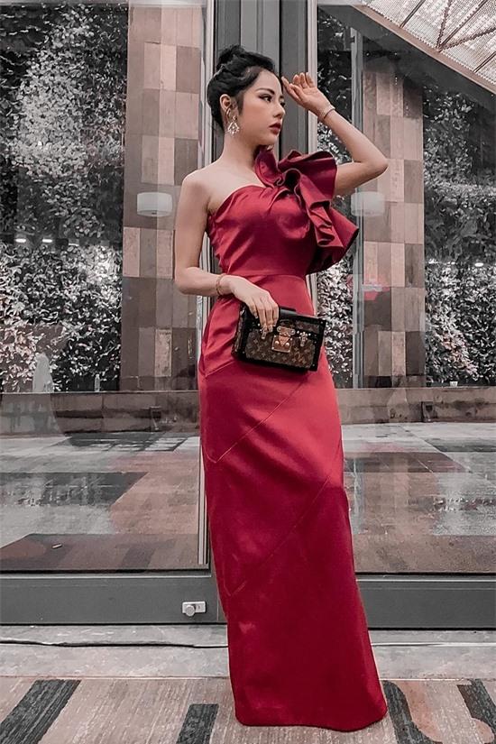 Bạch Lan Phương hiện làm mẹ đơn thân, có con gái 8 tuổi và là gương mặt quen thuộc của nhiều chương trình trên VTV. Cô cũng lấn sân kinh doanh, điều hành một trung tâm spa tại Hà Nội.