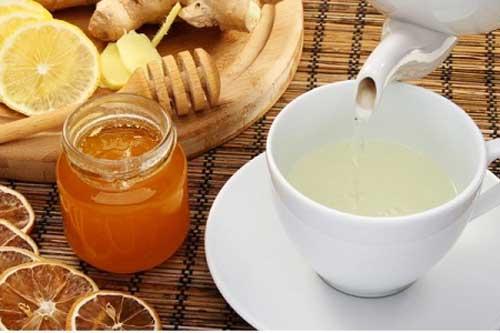 Lợi ích tuyệt vời của việc uống nước ấm pha mật ong mỗi ngày