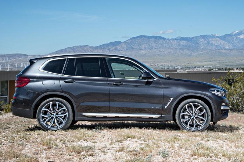 3. BMW X3 2020 (giá khởi điểm: 41,950 USD, điểm tổng thể: 8,4/10).