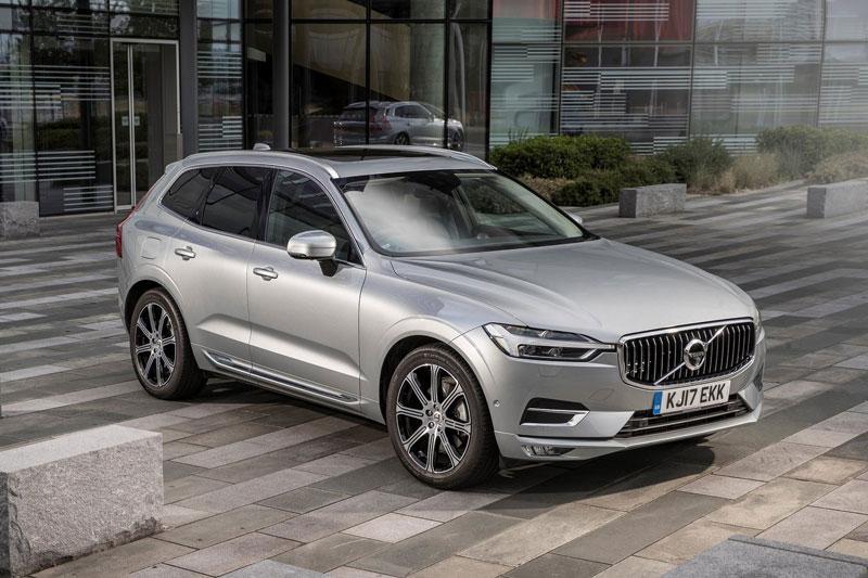 5. Volvo XC60 2020 (giá khởi điểm: 40.150 USD, điểm tổng thể: 8,3/10).