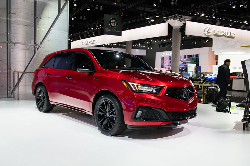 7. Acura MDX 2020 (giá khởi điểm: 44,500 USD, điểm tổng thể: 8,2/10).
