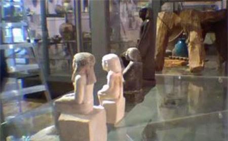 Bí ẩn tượng cổ Ai Cập tự xoay trong bảo tàng
