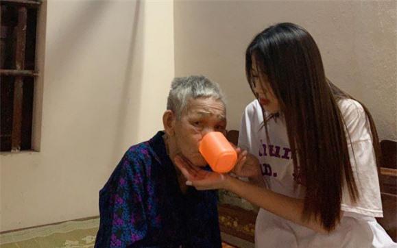 Bố mẹ tân Hoa hậu Đỗ Thị Hà tiết lộ tính cách ngoài đời của con gái - Ảnh 4.