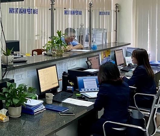 Tháng 11, cán cân thương mại hàng hóa của Việt Nam thâm hụt 100 triệu USD