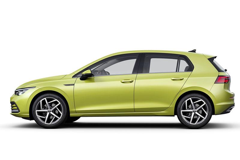 6. Volkswagen Golf 2020 (sức chứa khoang hành lý: 646 lít).