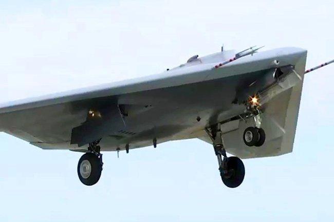 S-70 Hunter được thử nghiệm trong vai trò tiêm kích