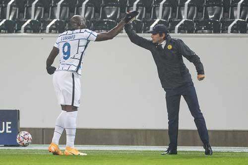 Romelu Lukaku thăng hoa tại Inter: 'Voi chiến thỏa sức tung hoành nơi rừng thiêng'