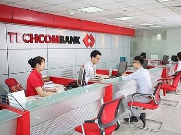 Lãi suất tiết kiệm giảm, tiền gửi dân cư vào ngân hàng vẫn tăng