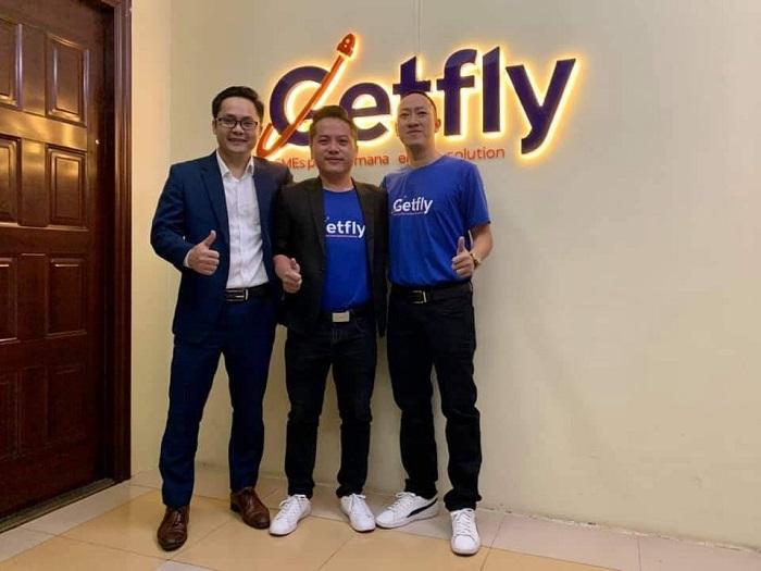 Anh Nguyễn Huy Hoàng - CEO Getfly CRM (Đứng đầu tiên từ bên trái sang).