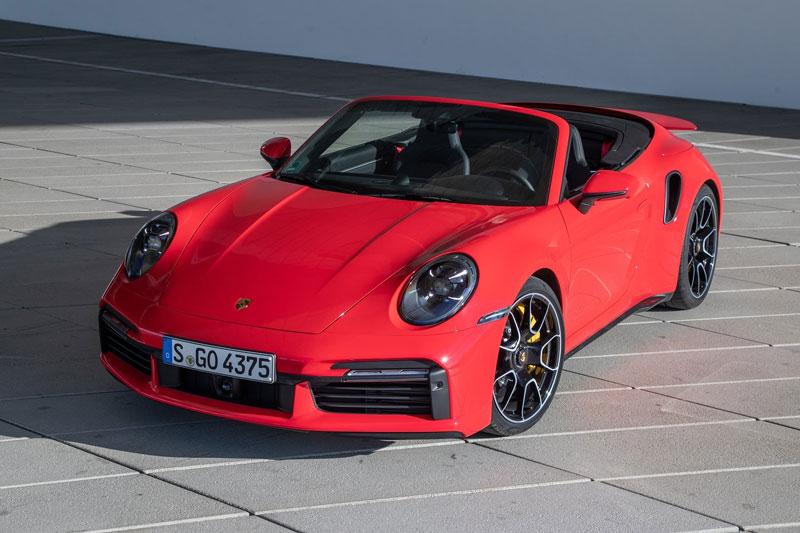 Porsche 911 Turbo S Cabriolet 2021.