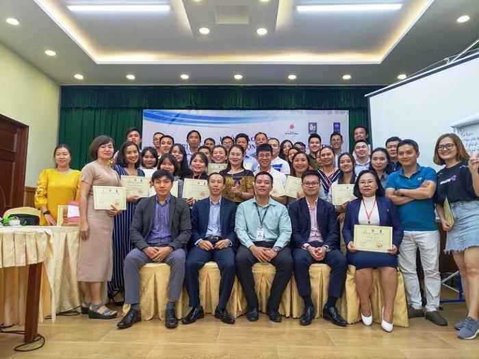 Kết thúc khóa đào tạo, các Học viên được trao Giấy chứng nhận do Hiệp hội Doanh nghiệp nhỏ và vừa Việt Nam và Chương trình phát triển liên hợp quốc (UNDP) chứng nhận.