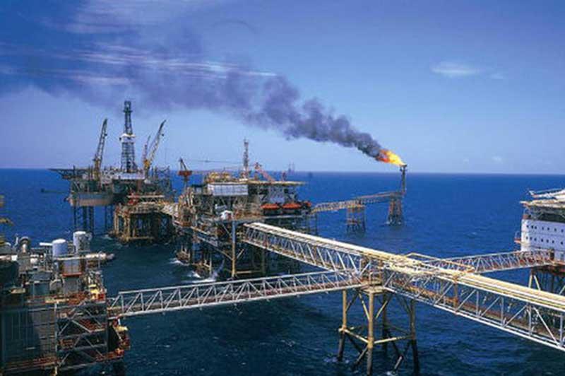 Giá xăng, dầu (4/12): Tiếp tục tăng mạnh