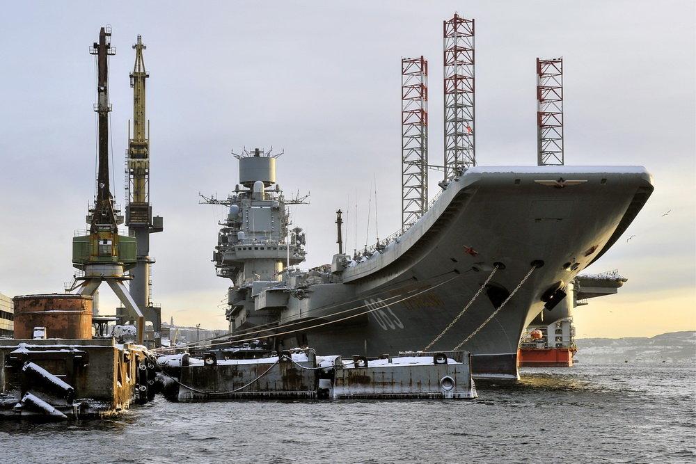 Tuần dương hạm hạng nặng mang máy bay (tàu sân bay) Đô đốc Kuznetsov hiện đang được sửa chữa. Ảnh: TASS