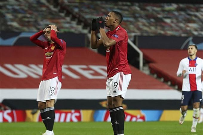 Martial bỏ lỡ 2 cơ hội rất rõ ràng ở trận đấu với PSG