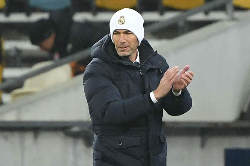 Zidane vắng mặt trong cuộc họp khẩn của Real
