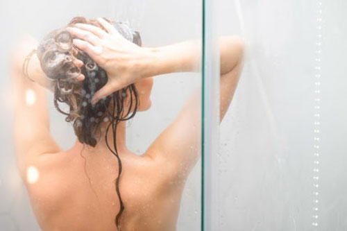 5 điều cấm kị khi tắm bạn không được mắc phải