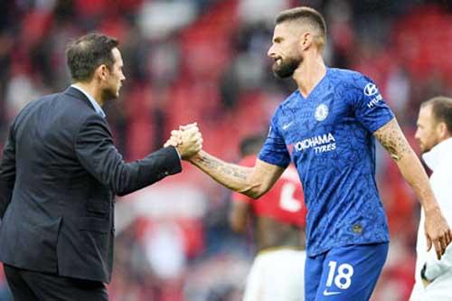 Giroud ra điều kiện để ở lại Chelsea