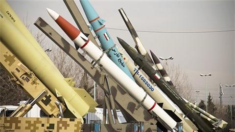 Iran chuan bi 20 ten lua san sang tra dua Israel ?
