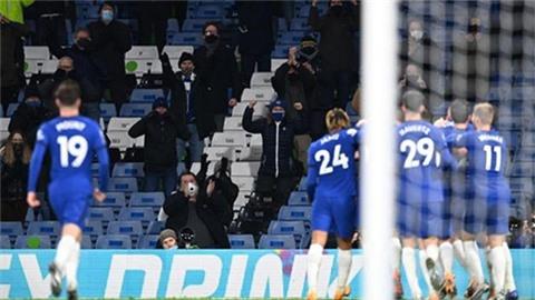 Khán giả tới sân ảnh hưởng thế nào đến các trận đấu ở Premier League?