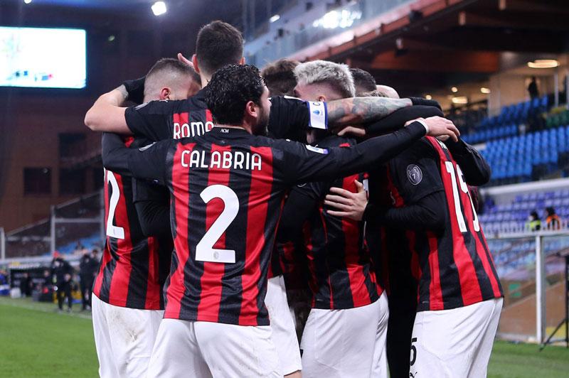 Milan tiếp tục chơi thăng hoa.