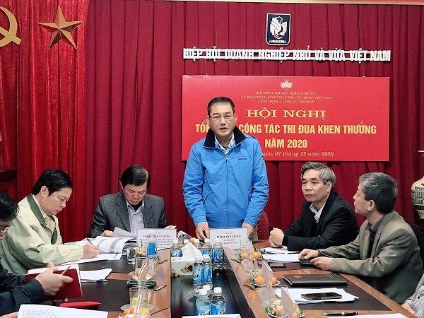 Ông Phạm Huy Hùng, Cụm trưởng Cụm thi đua lĩnh vực kinh tế – Phó chủ tịch VINASME phát biểu khai mạc hội nghị.