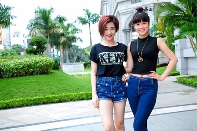 Hòa Minzy (trái) và Hoàng Yến Chibi hồi mới vào nghề.